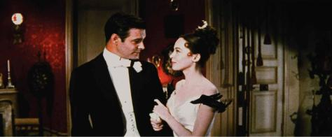 still-of-leslie-caron-and-louis-jourdan-in-gigi-(1958)-large-pictureGigitux&gown