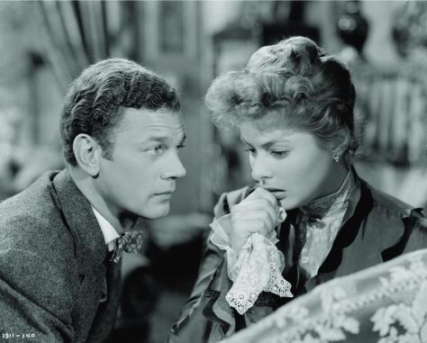 still-of-ingrid-bergman-and-joseph-cotten-in-gaslight-(1944)-large-picture